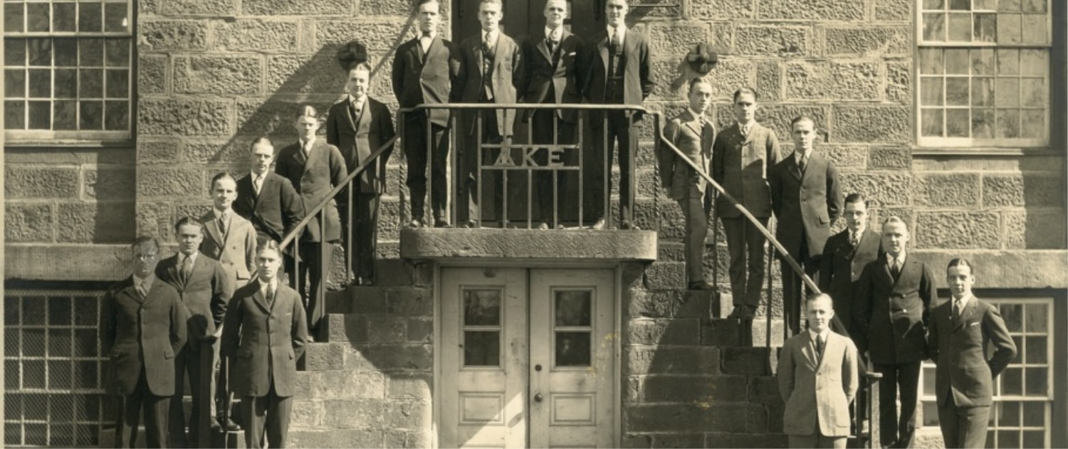 1922-brothers-at-west-wing